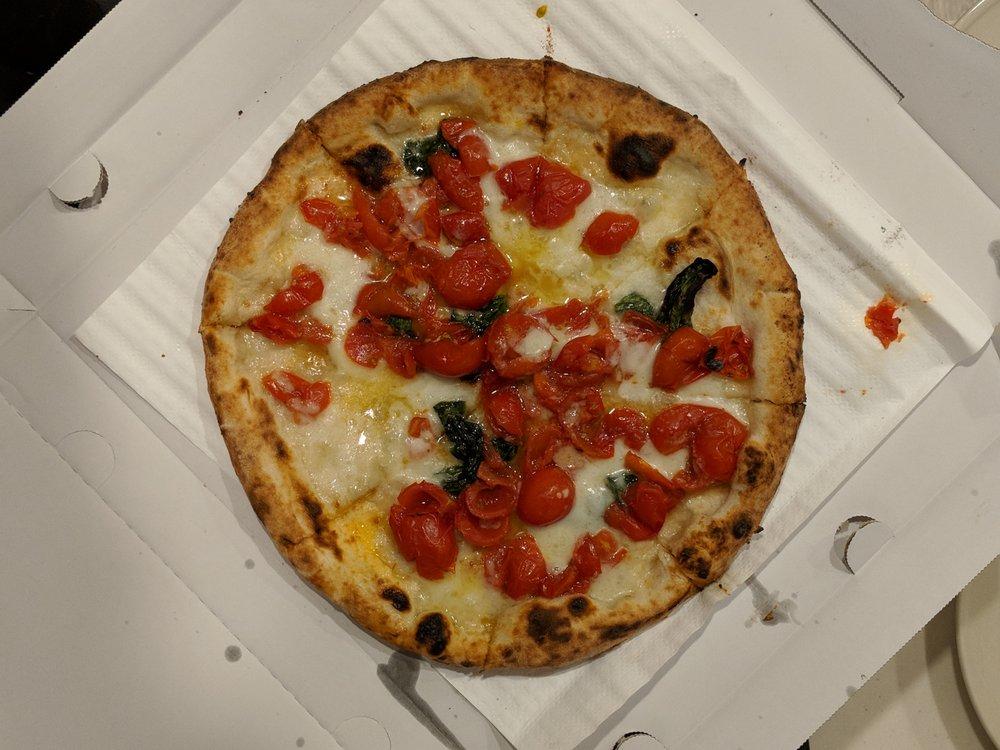 Pizza Salvatore Cuomo Higashi-Ginza