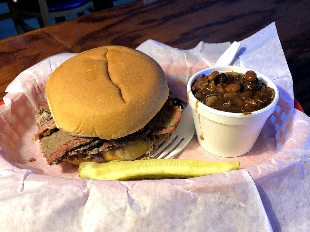 Papa C's BBQ Bar & Grill: 807 S Silver St, Paola, KS