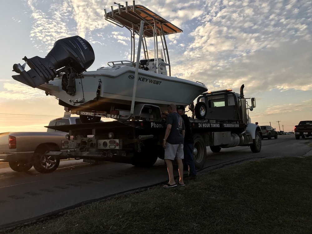 Towing business in Gonzales, TX