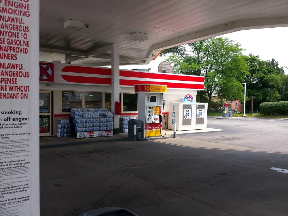 Shell Gas Station - Car Wash - 100 W Geneva Rd, Wheaton, IL