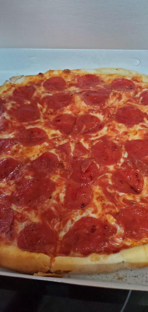 Nardozzo's Pizzeria: 145 E Main St, Nanticoke, PA