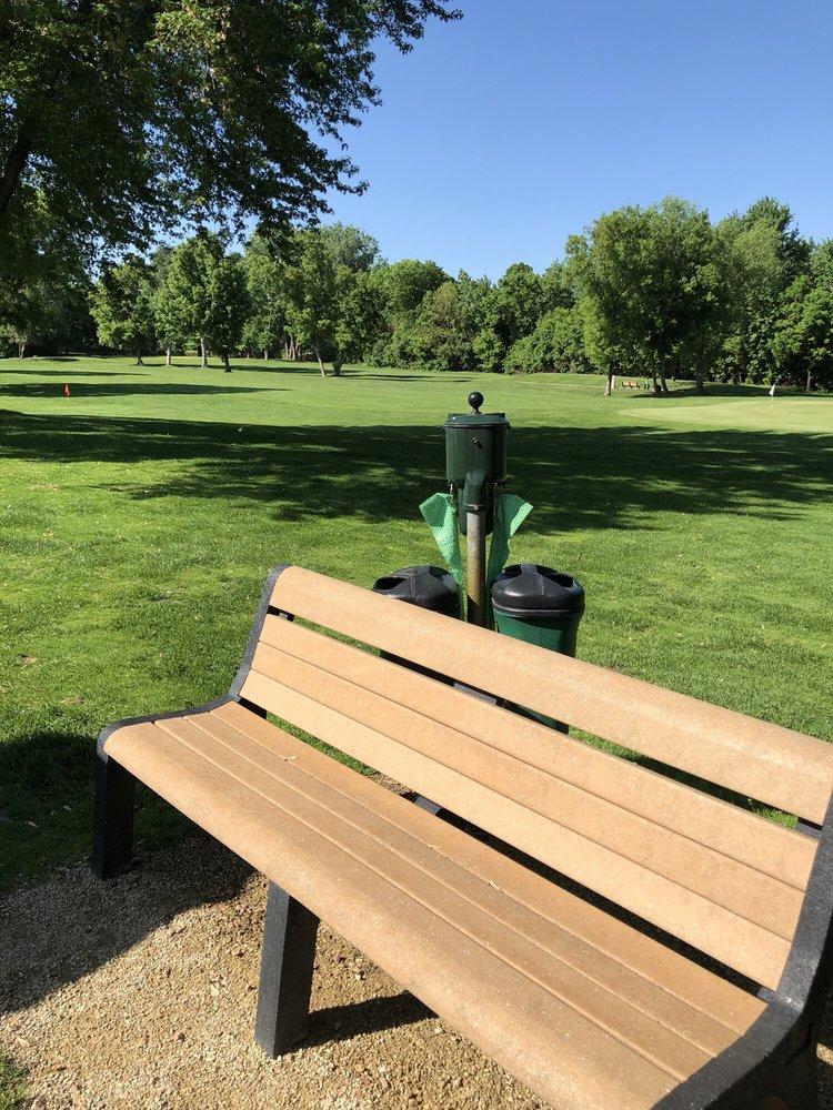 Brookland Golf Park: 8232 Regent Ave N, Brooklyn Park, MN