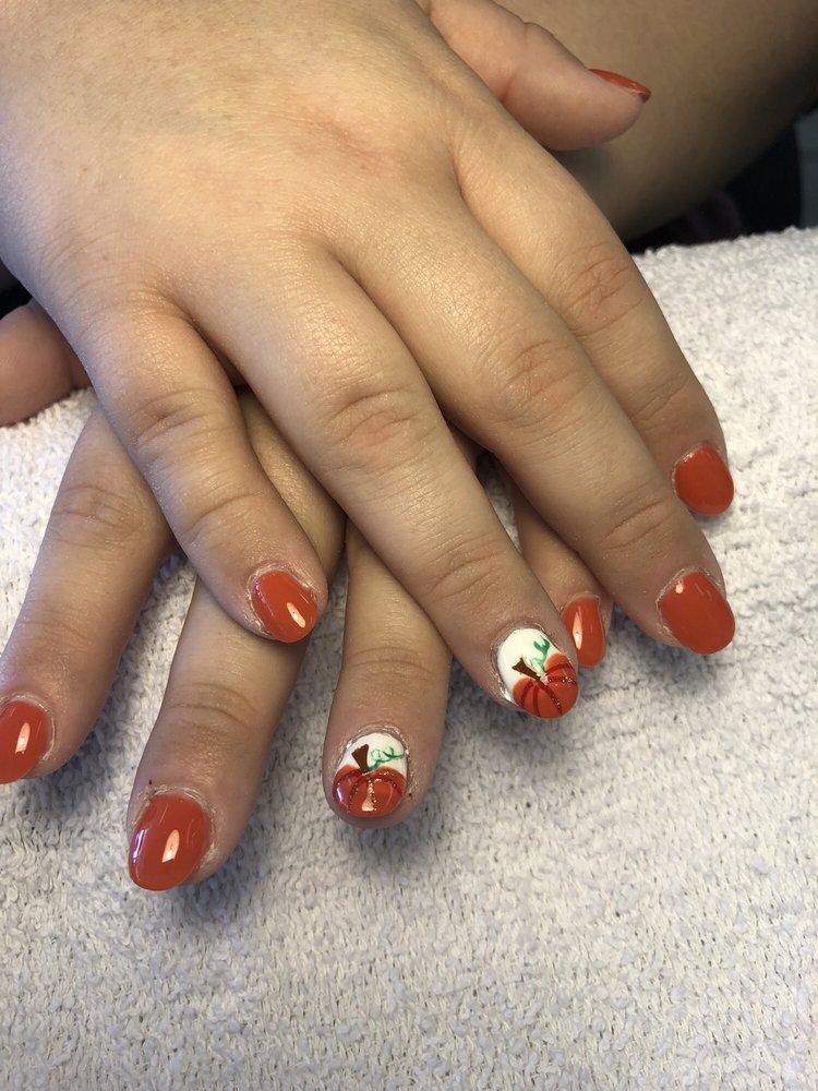 Photo of Diamond Nails: Cincinnati, OH