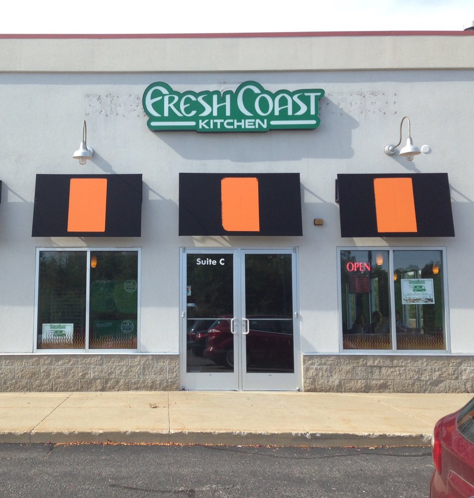 Fresh Coast Kitchen - CLOSED - 27 Photos - Pizza - 2289 E Beltline ...