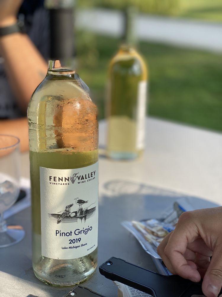 Fenn Valley Vineyards & Wine Cellar: 6130 122nd Ave, Fennville, MI