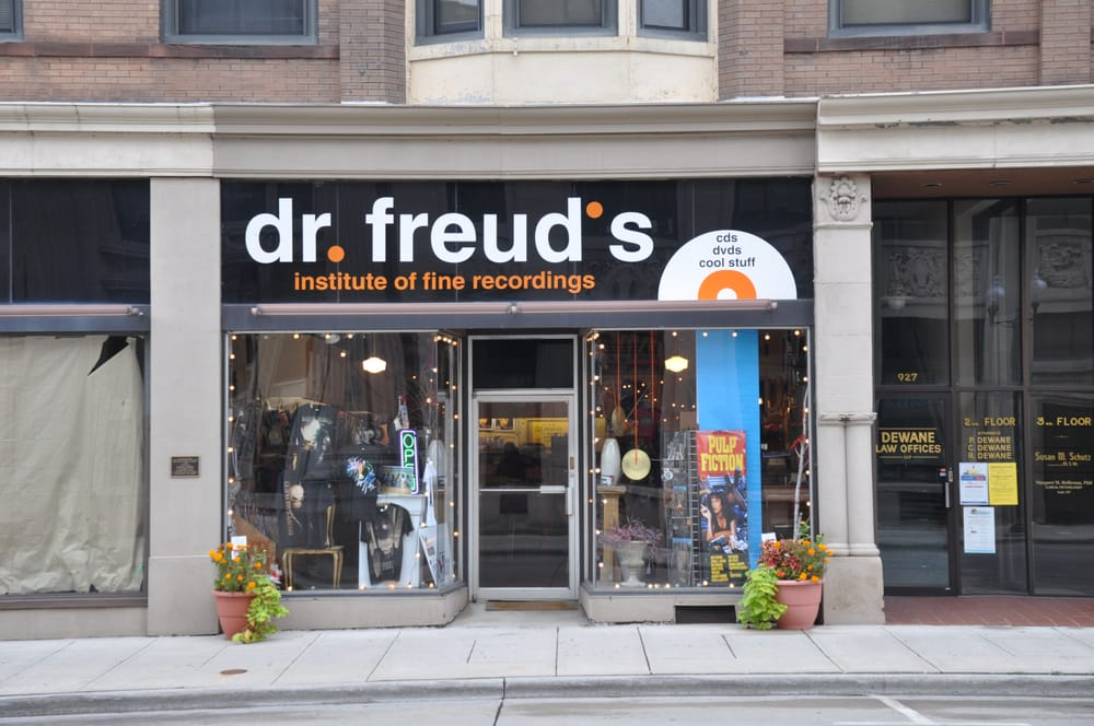 Dr Freud's Records & Tapes: 925 S 8th St, Manitowoc, WI