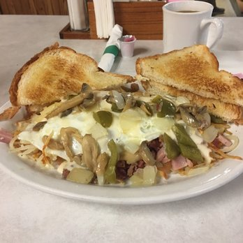 Country skillet american new 320 s main st adams for J j fish chicken milwaukee wi