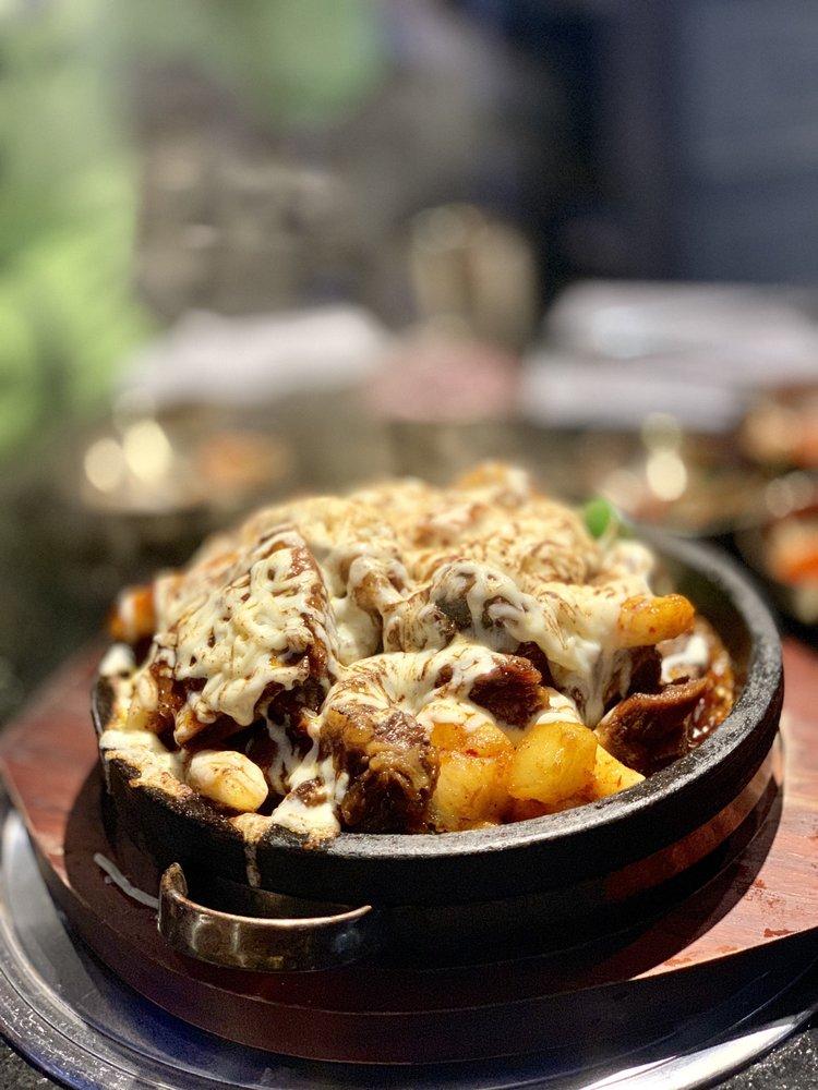 Daeho Kalbijjim & Beef Soup