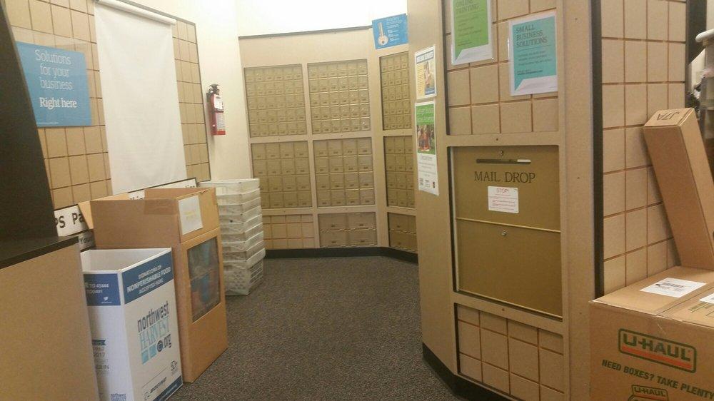 The UPS Store: 14201 SE Petrovitsky Rd A-3, Renton, WA