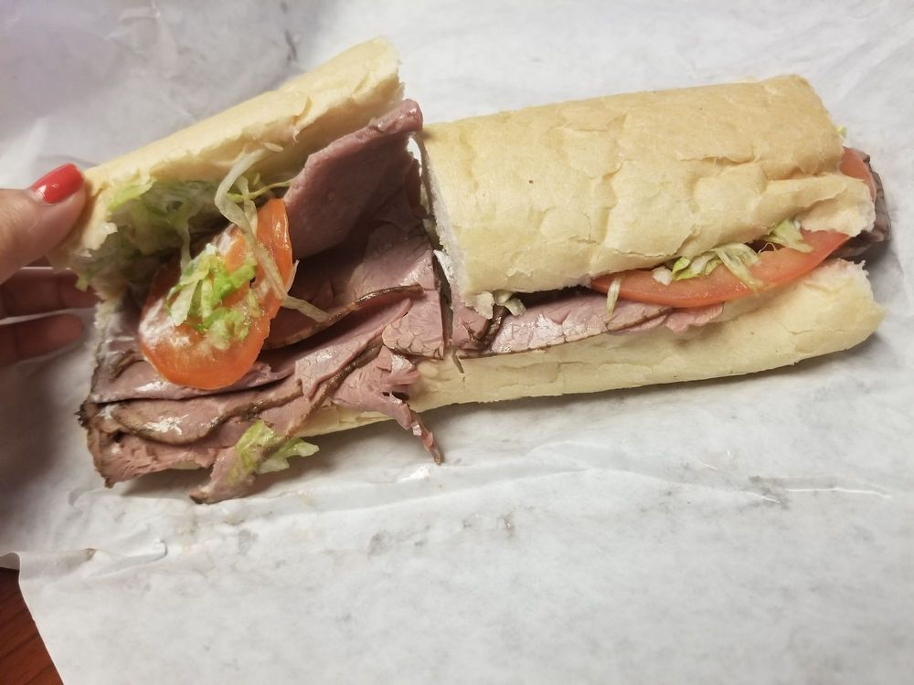 Sandwich World: 10800 Highway 3125, Lutcher, LA