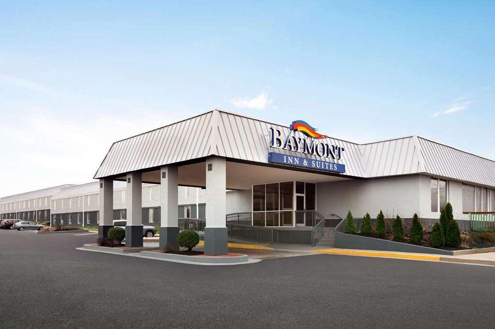 Baymont by Wyndham Florence Cincinnati: 8050 Holiday Pl, Florence, KY