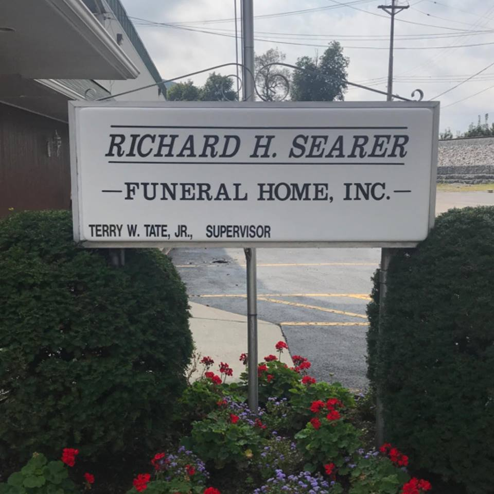 Richard H Searer Funeral Home: 115 W 10th St, Tyrone, PA