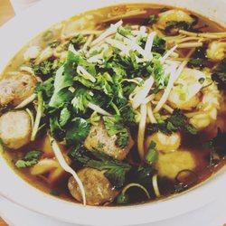 Mamas asian noodle house 29 photos laotian 4787 e for Asian cuisine fresno ca