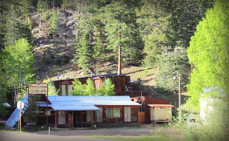 Pine Lodge: 18488 Hwy 165, Rye, CO