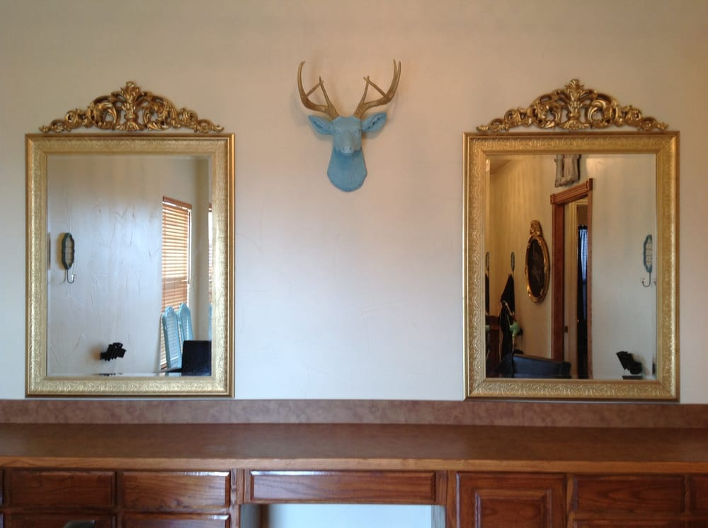 The Parlour Boutique Salon: 3519 S Murvil St, Decatur, TX