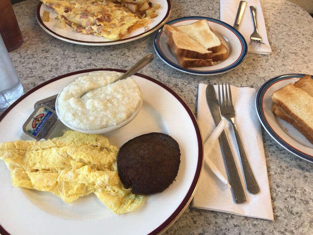 Argy's Diner: 2628 N Church St, Haw River, NC
