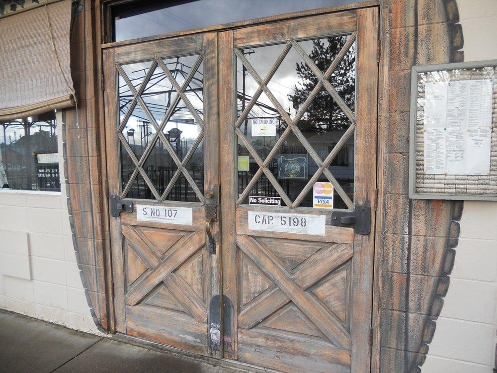 Pedotti's Italian Restaurant: 1332 W Central Ave, Sutherlin, OR