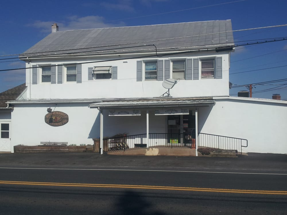 Boyer's Market & Catering: 1104 Old Airport Rd, Douglassville, PA