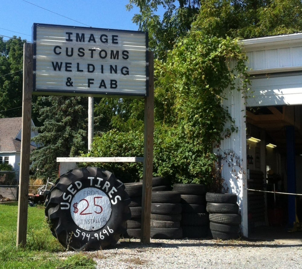 Image Customs: 107 N 3rd St, Pierceton, IN