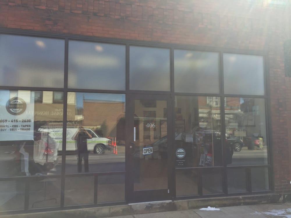 Torn Light: 406 Fairfield Ave, Bellevue, KY