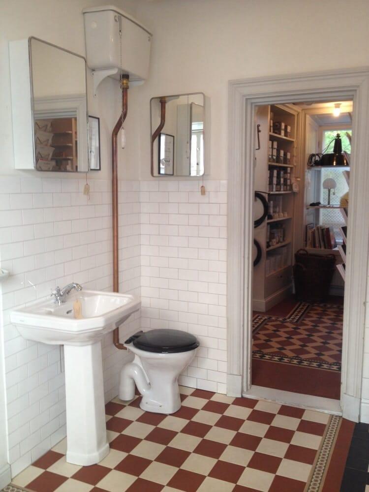 Nytillverkas gammaldags badrumsinredning. - Yelp