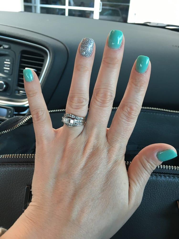 Hollygood Nails And Spa