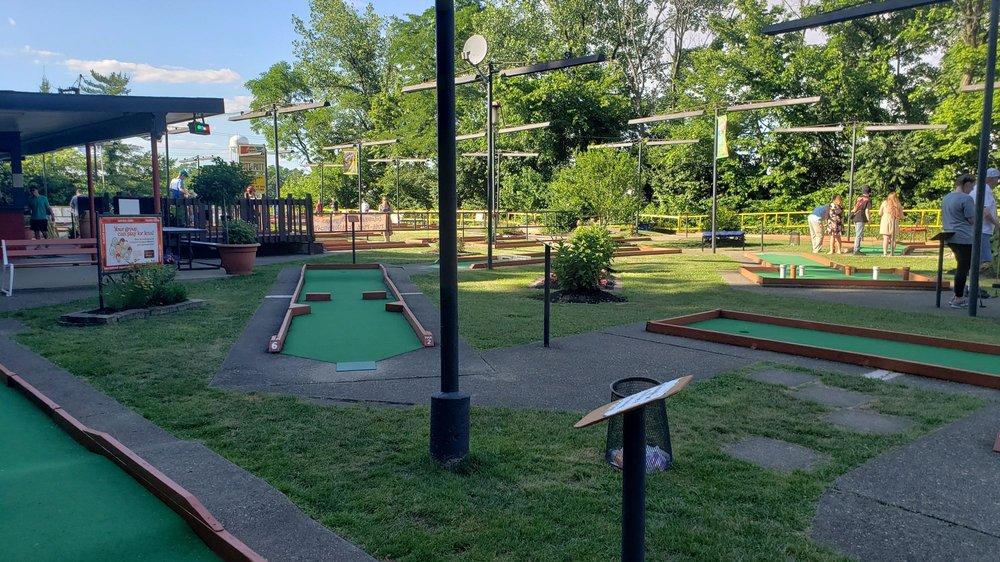 Putt Putt Golf: 3143 Dixie Hwy, Erlanger, KY