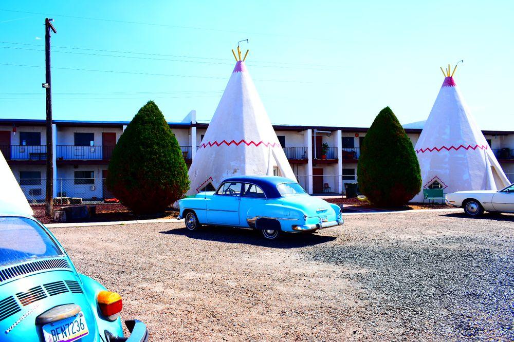 Wigwam Motel & Curios: 811 W Hopi Dr, Holbrook, AZ