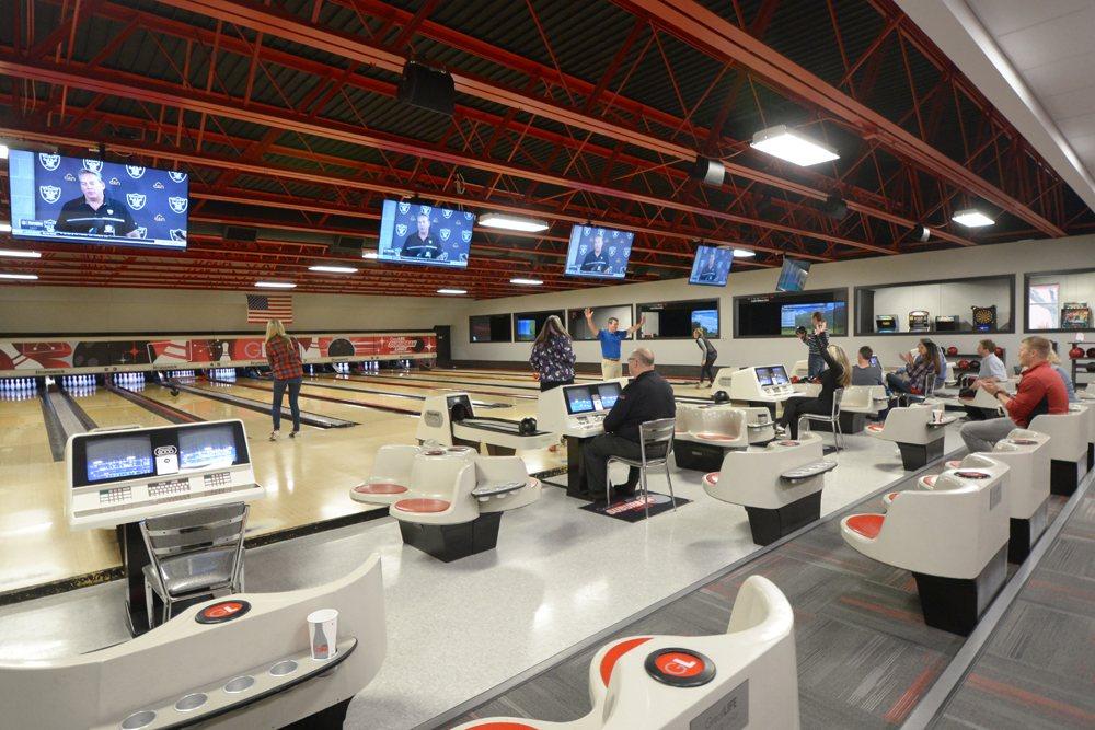 GreatLIFE Suburban Lanes Family Fun Center: 2621 S Spring Ave, Sioux Falls, SD