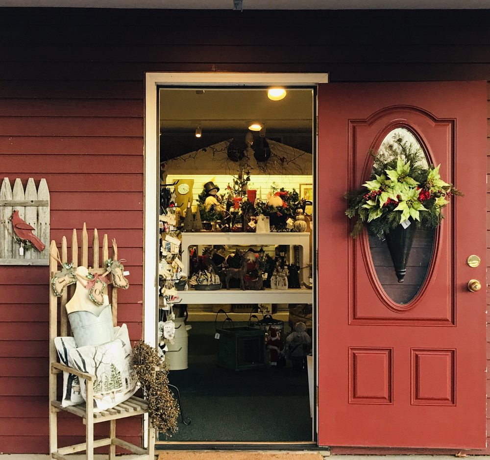 The Red Door Gift Shop: 830 S Main St, Cheshire, CT