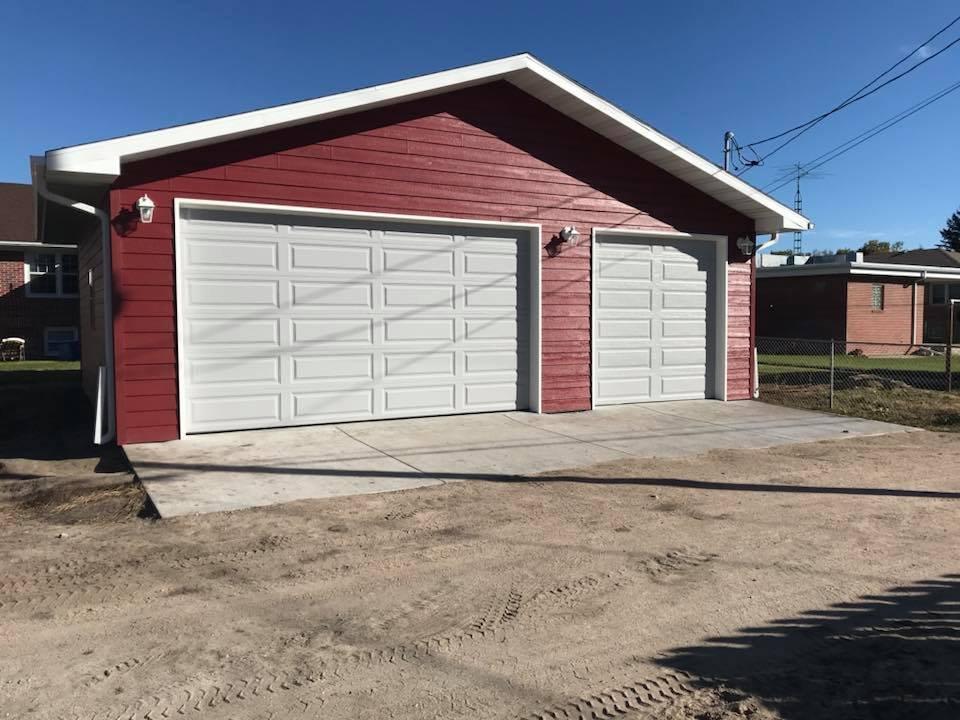 Hunt's Construction & Roofing: 1909 E 4th St, North Platte, NE