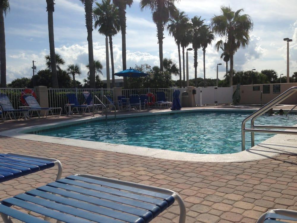 Nice pool great beach across the street yelp for Hilton garden inn st augustine beach