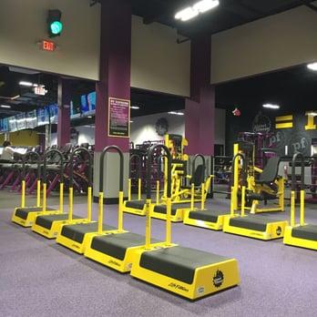 Planet Fitness Cerritos 25 Photos 53 Reviews Trainers 12831 Towne Center Dr Cerritos