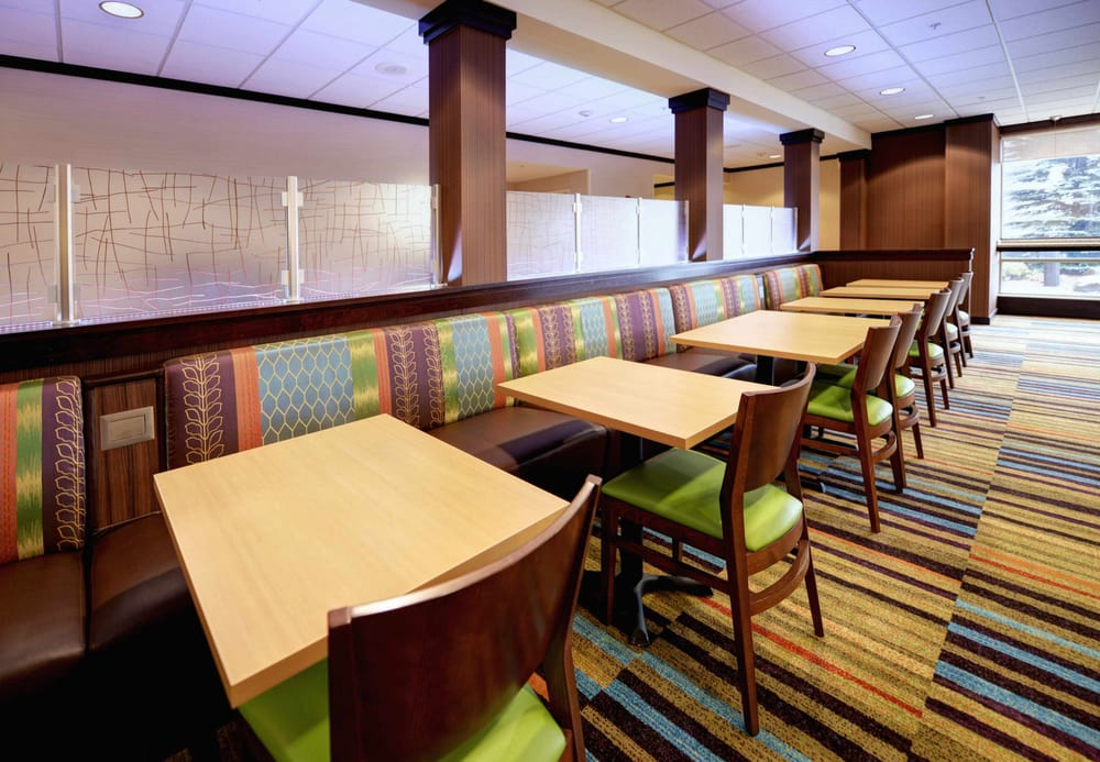 Fairfield Inn & Suites Wausau: 7100 Stone Ridge Dr, Weston, WI