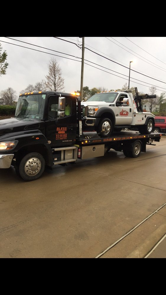 Towing business in Shorewood, IL