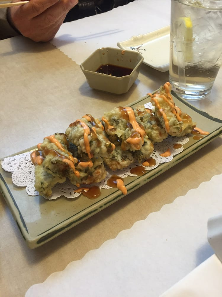 Green hornet spicy tuna wrapped in leaf and deep fried for Akasaka japanese cuisine