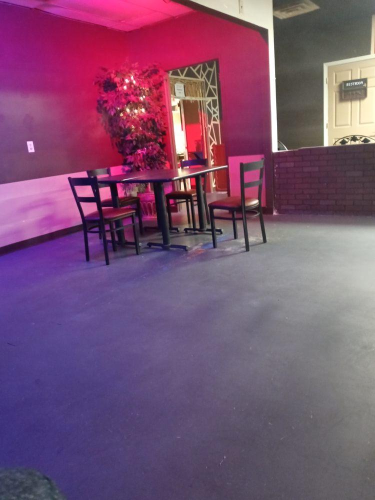 Louisville Hookah Lounge and Kufiya Cafe: 5400 DelMaria Way, Louisville, KY