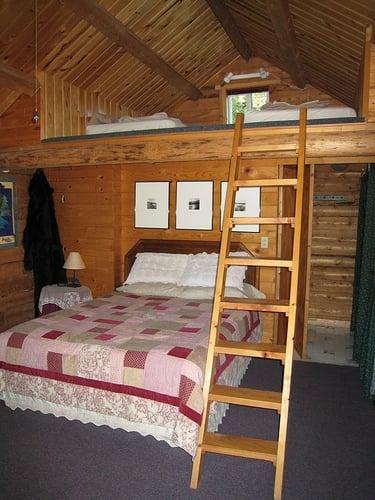Moosewood Cabin: 33200 Vinewood Ln, Seward, AK