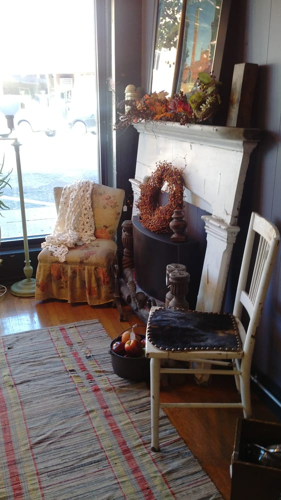 The Olde Mint Antiques LLC: 135 W Columbus Ave, Bellefontaine, OH