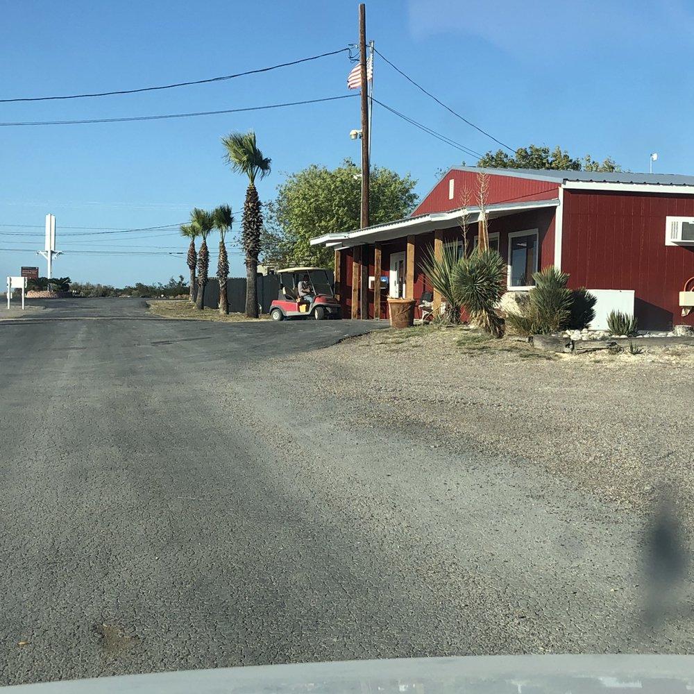 American Campground: 10348 Hwy 90 W, Del Rio, TX