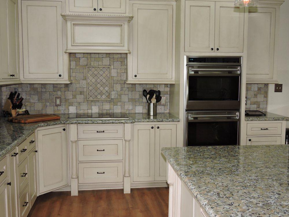 Lincke Floors: 146 N Jefferson St, La Grange, TX