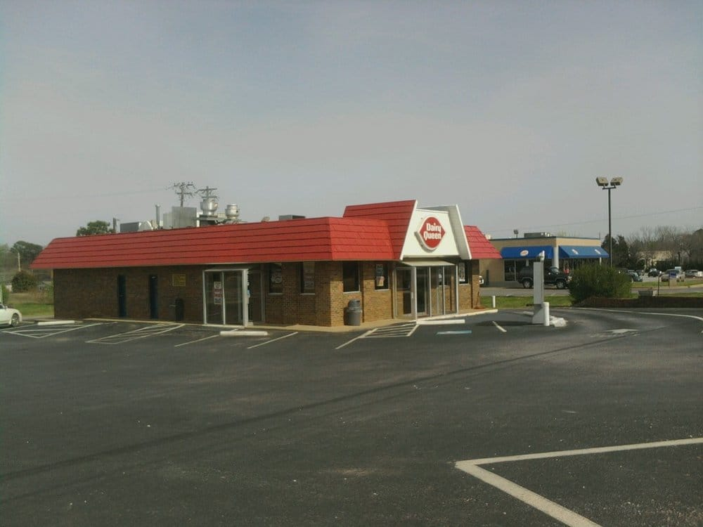 Dairy Queen Grill & Chill: 701 Lower Heard St, Elberton, GA