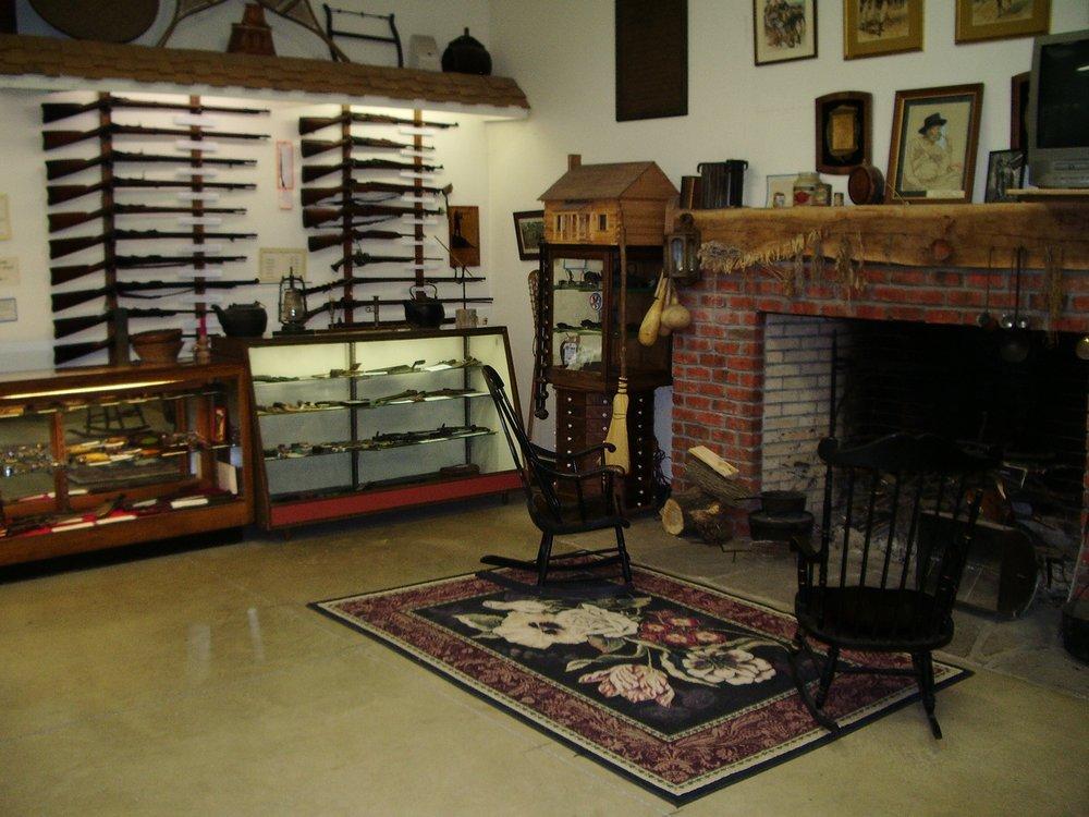 Log Cabin Shop: 8010 Lafayette Rd, Lodi, OH