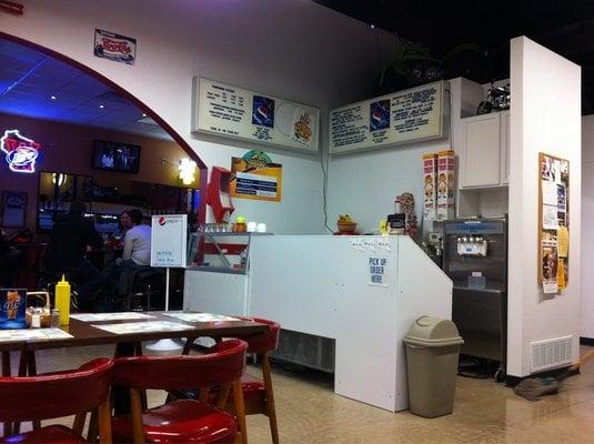 Kurt-n-Jo's Eats-n-Treats: 668 Maratech Ave, Marathon, WI