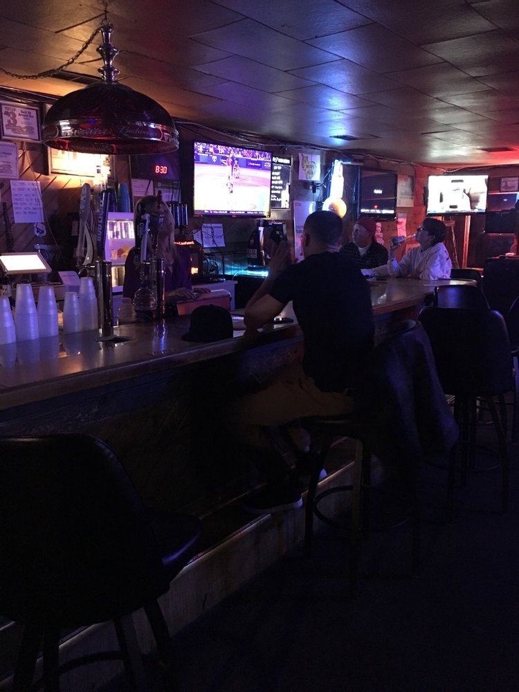 Curly's Bar & Grill: 2683 N Water St, Decatur, IL