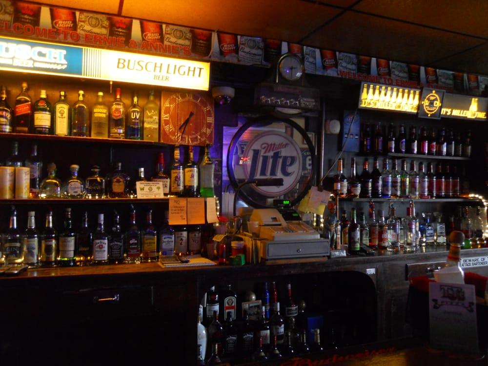 Ernie & Annie's Tavern