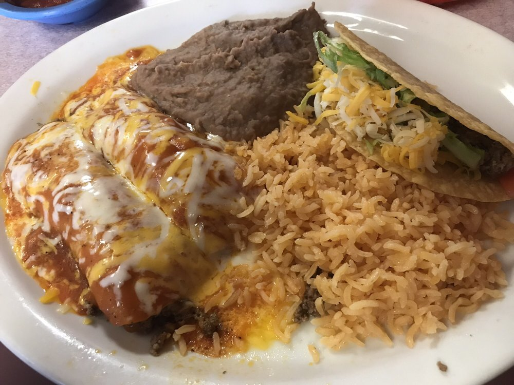Los DOS Laredos: 115 W Mesquite Ave, Rogers, TX