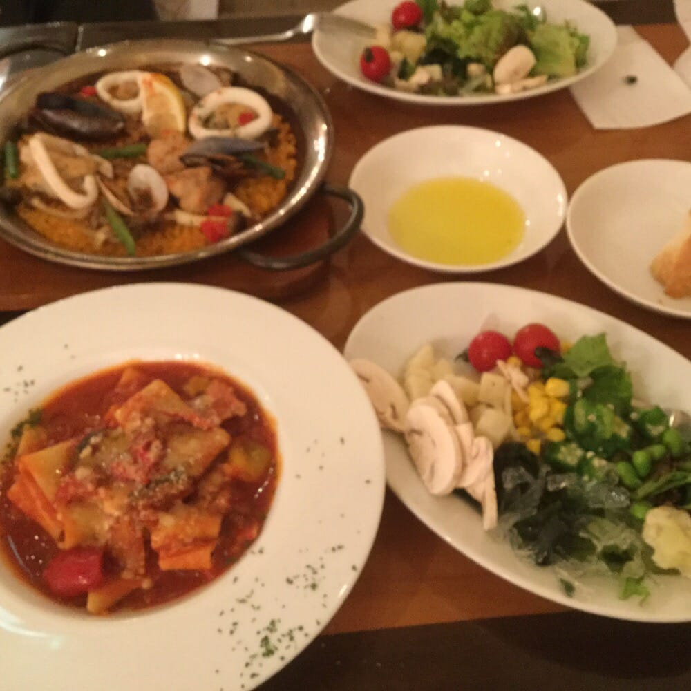 Spanish cuisine and wine Lobos Hibiya