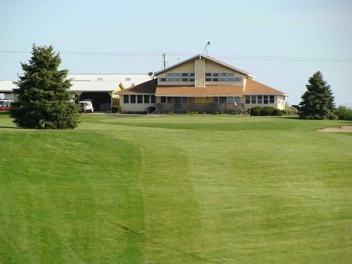 Fairlakes Golf Club: 2203 County Rd 600 N, Secor, IL