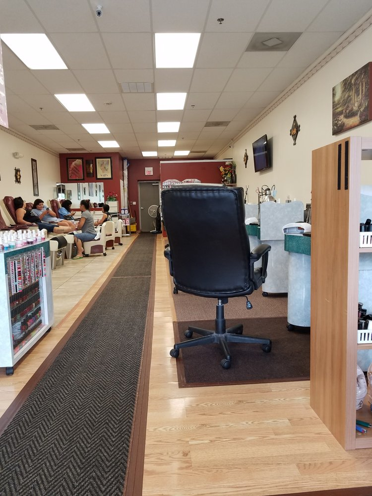 North Aurora Nail Salon Gift Cards - Illinois | Giftly